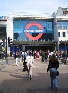 443px-Brixton_Tube_2006-04-22